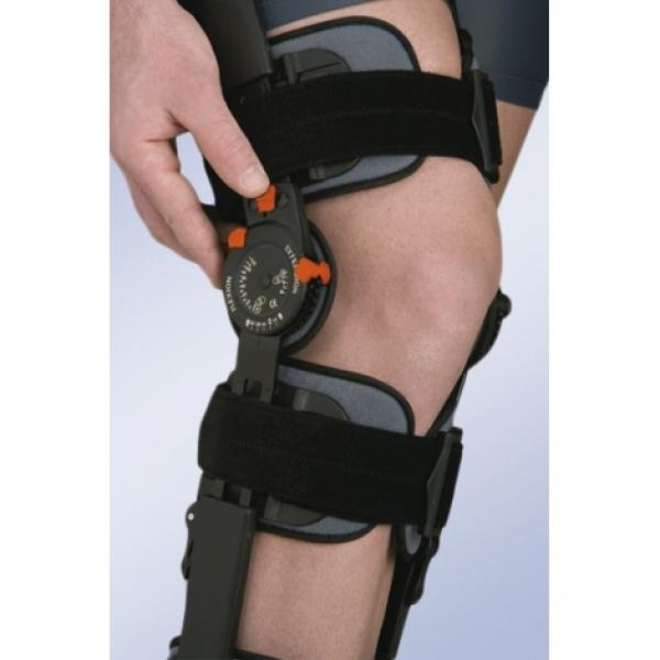 Ортез для фиксации коленного сустава с регулируемым шарниром Orliman 94260 UNI